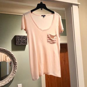 GAP V-Neck Top